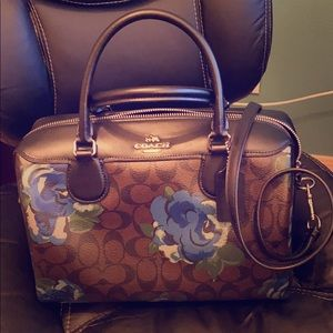 Authentic Coach signature satchel/purse